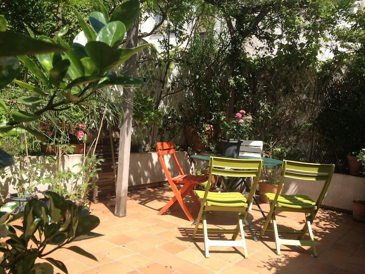 Large flat with sunny terrasse