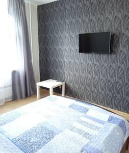Двухкомнатная квартира на Бигичева 17.