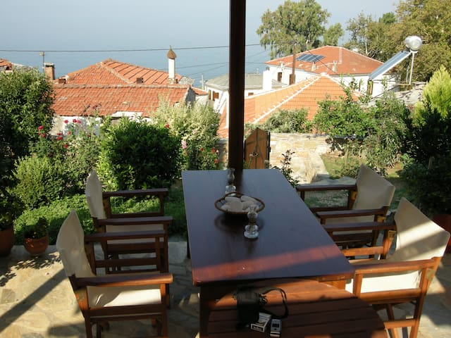 Traditional family/couple holiday house - Afissos - 一軒家