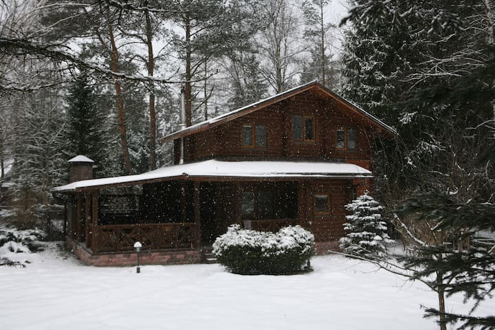 Entire two-story house with sauna and BBQ