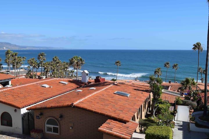 Surf Break Views - 4 Bedroom Sleeps 8 - w/ Garage