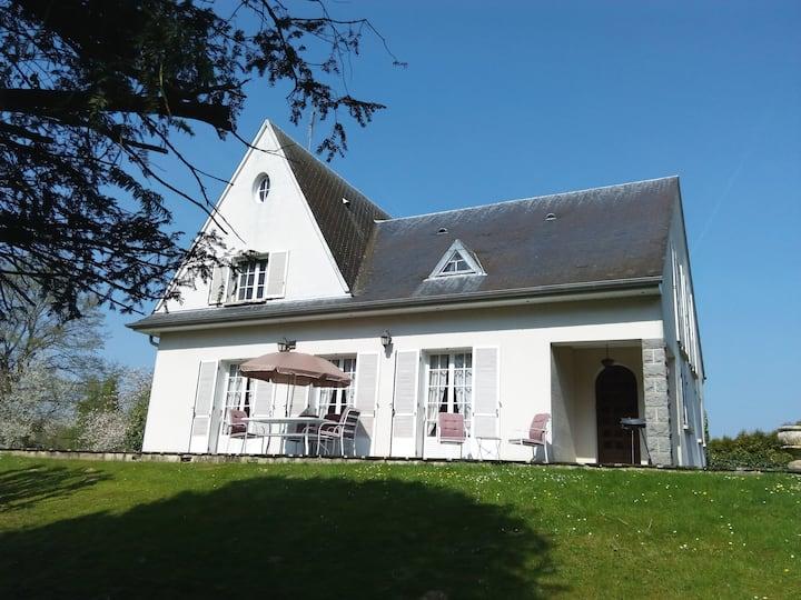Villa Les Ponceaux, proche Provins et Aérosphalte
