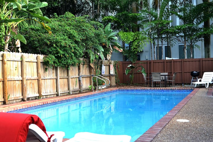 Close to beach-Downtown-Airport-Whole Apt 2, Pool