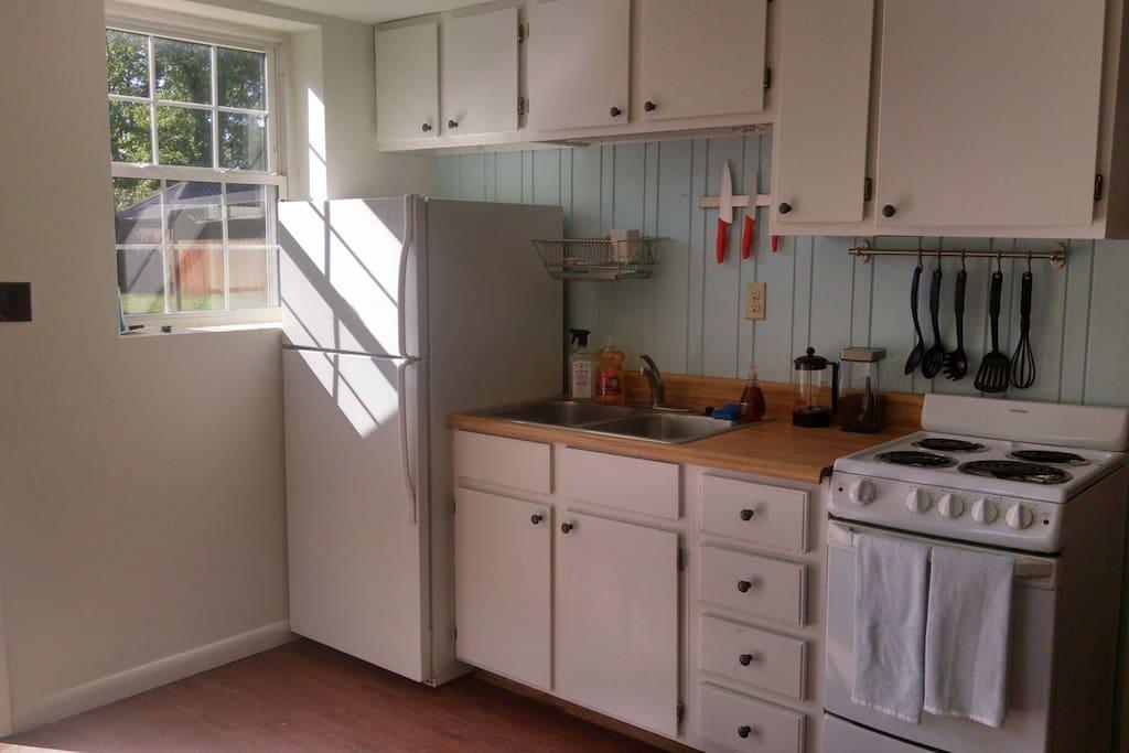 Light-filled kitchenette with the basics