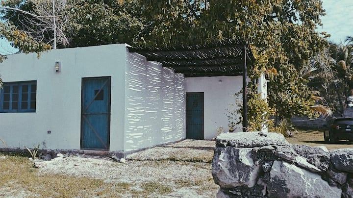 La casita azul. Sisal, Yuc.