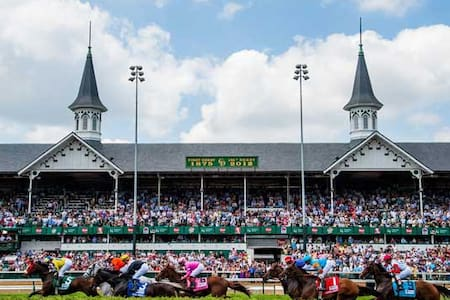 1.5 mile walk to Churchill Downs - Louisville