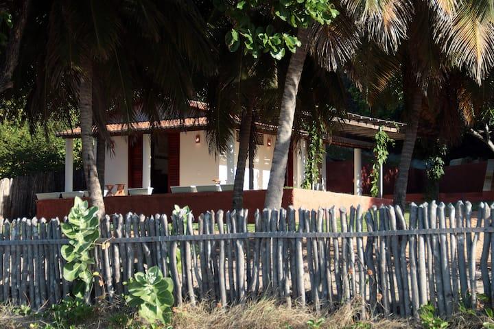 Chalé das sábias na Praia de Picos.