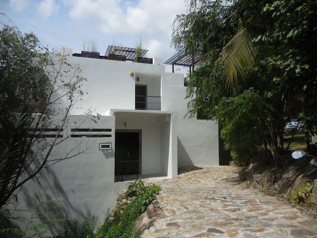 Fab Sea View 2  Bed Villa/Pool/Roof Terrace/wi/fi