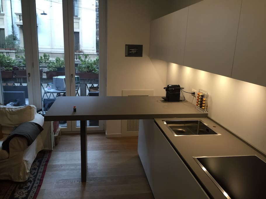Italian design high tech home apartments for rent in for High tech milano