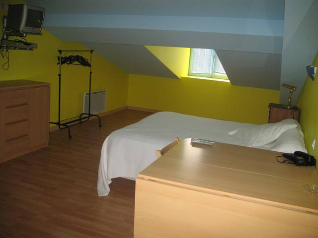 SINGLE BEDROOM + PRIVATE BATHROOM - Lévignac - Bed & Breakfast