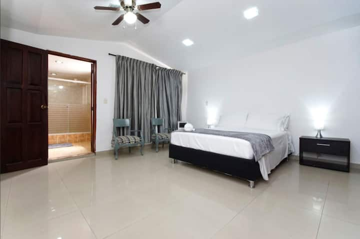 Two Bedroom Apartment in Pampalinda