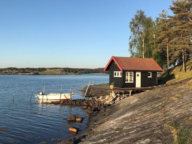 Unique location at Ramsön-Keholmen natural reserve