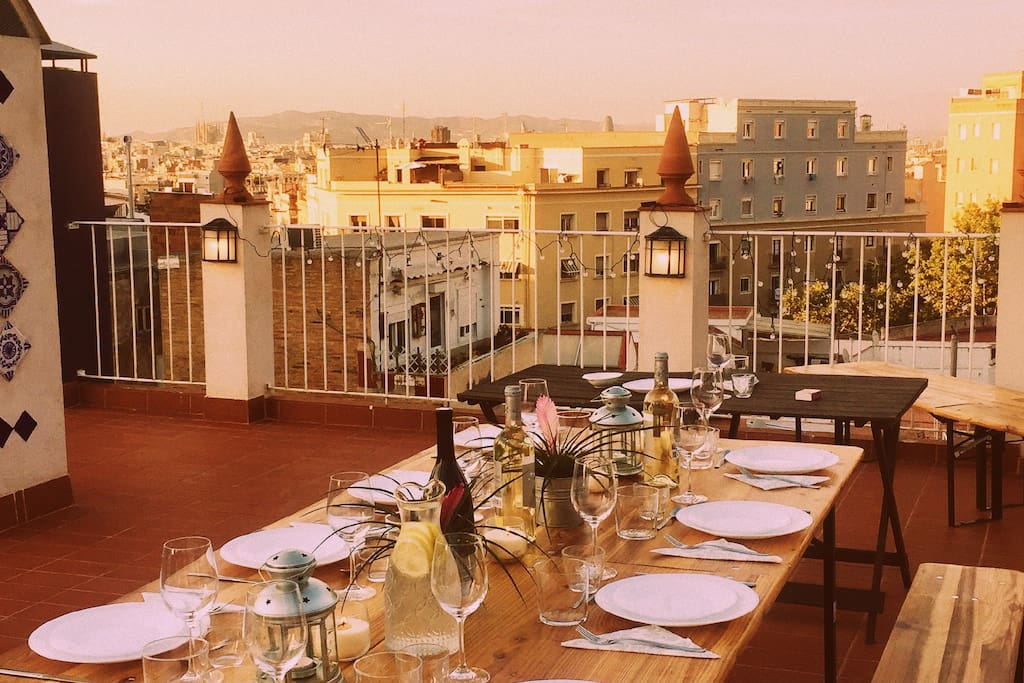 House event (free for guests) - Conversation dinner in our roof terrace