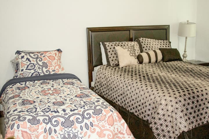 Beauty&Comfort all in one! + FREE PARKING&WIFI!