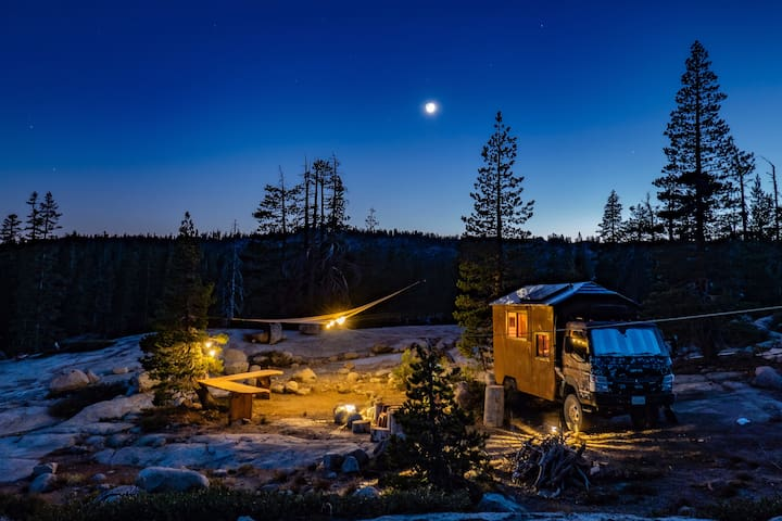 Mountain Top Tiny House -off grid Donner Summit CA
