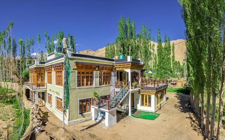 Chunpa House, Homestay with organic garden