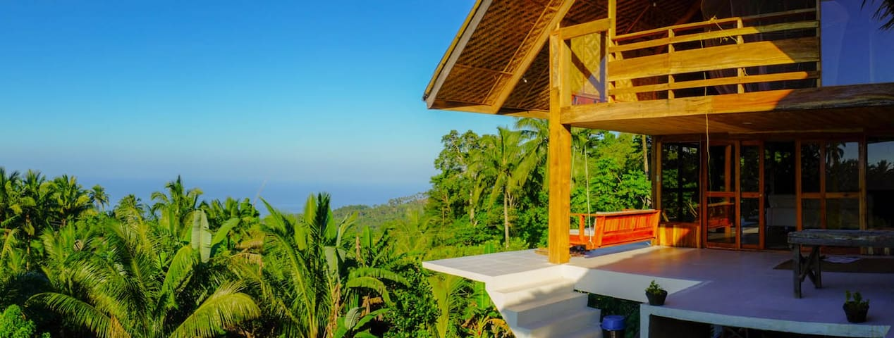 Volcano House with stunning views - Mambajao
