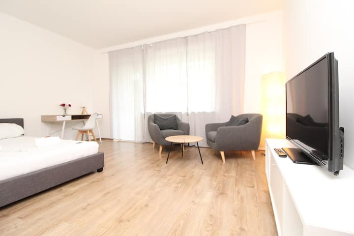 Top Studio Apartment in Frankfurt Sachsenhausen