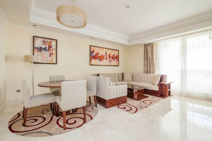Luxury stay 1 BD in Palm ! Free beach and pool ! - Dubai - Huoneisto