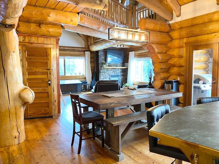 Beautiful Rustic Log Home