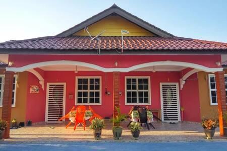 Three (3)  Bedroom Homestay at Langkawi - Chenang
