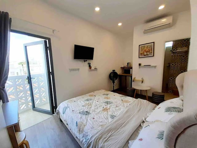 Right Near Nhieu Loc River~Modern with Balcony