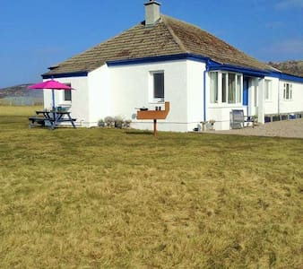 Beach side bungalow - Lochinver