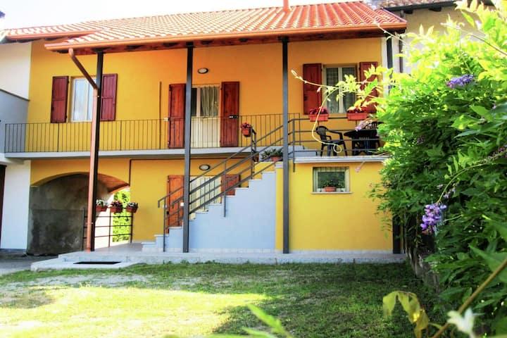 Casa cómoda en Castelletto sopra Ticino cerca del río