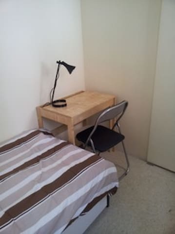 Central Room for 1 person , in LKF !!!