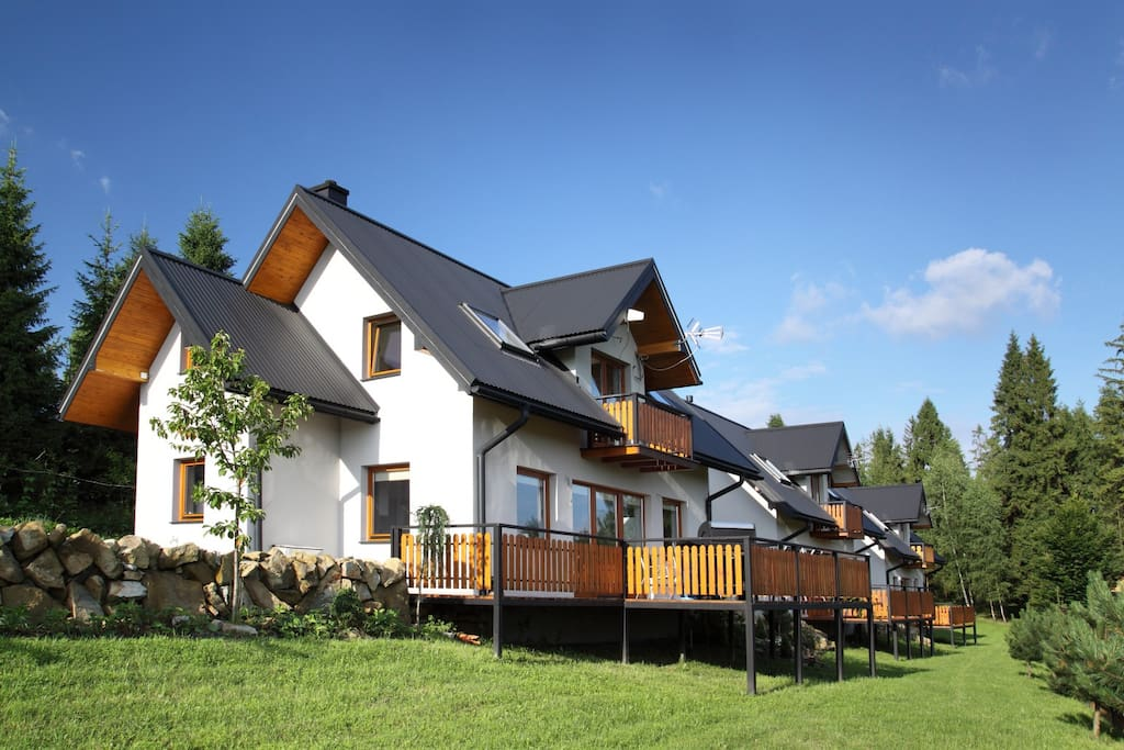 A Comfortable Detached House With A Mountain View Houses