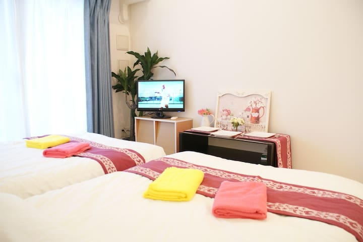 Convenient/Clean/Cozy 1min from Namba Sta+WIFI,TV - Naniwa Ward, Osaka - Appartement