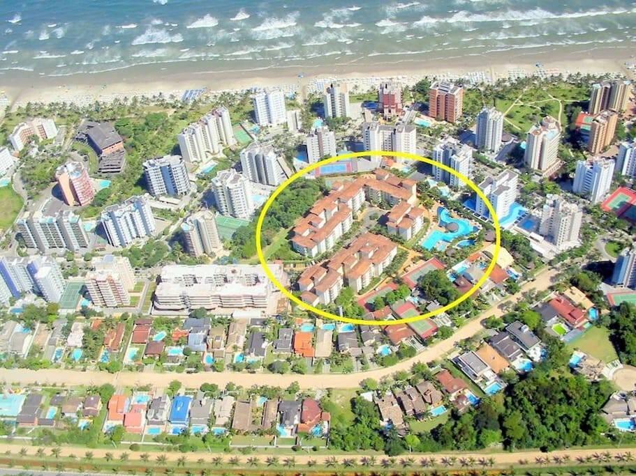 Panorâmica da localização do condomínio em relação ao mar