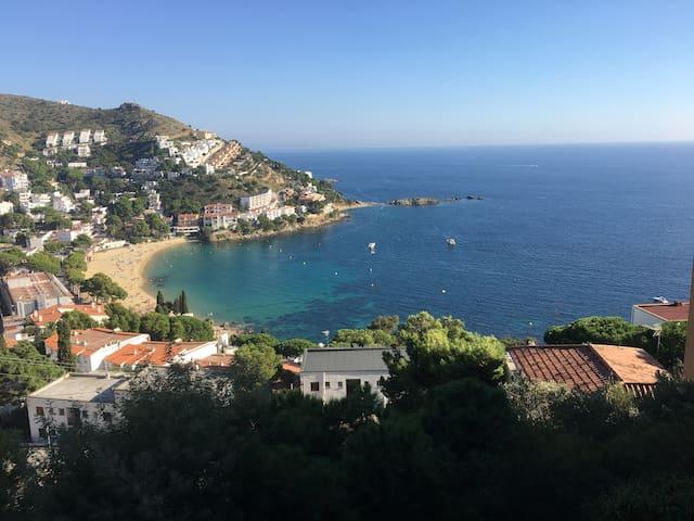 Duplex Rosas-Canyelles vue mer imprenable