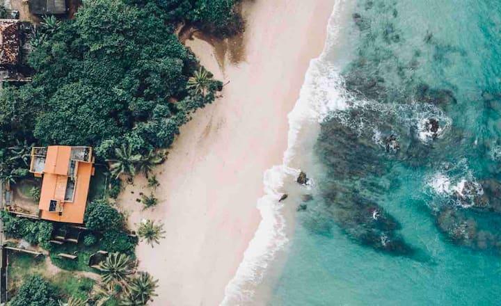 Rustic Beach Villa in Balapitiya