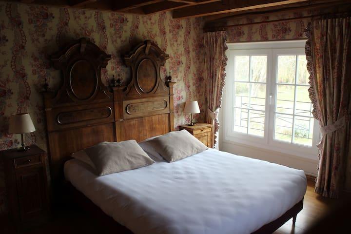 """Chambre """"Milady"""" dans un grand gîte en Sologne - Crouy-sur-Cosson - Natur lodge"""