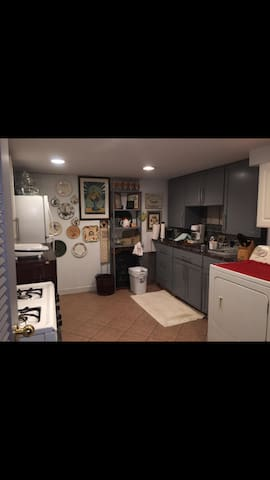 Port Chester area Private studio with full kitchen