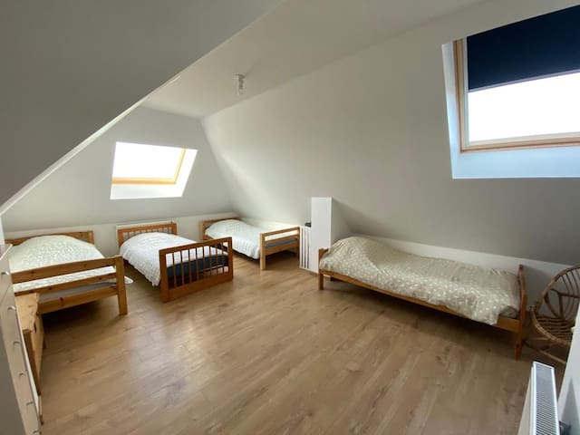 Chambre 4 lits simples