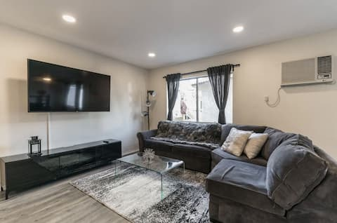 Gorgeous Apartment In The Heart of Hollywood