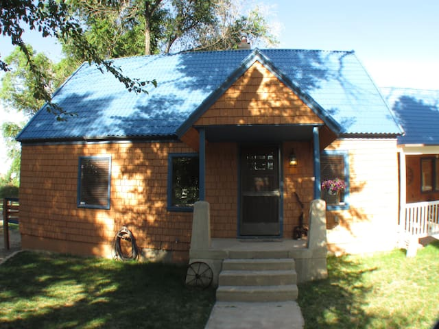 Lovely Ranch Style Home/Loft Close to City Park - Pueblo - Hus