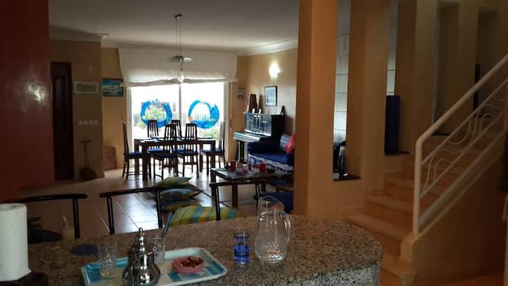 Villa en bord de mer / Beach House