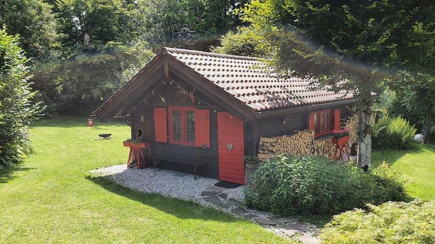Gemütliche Hütte in Seenähe
