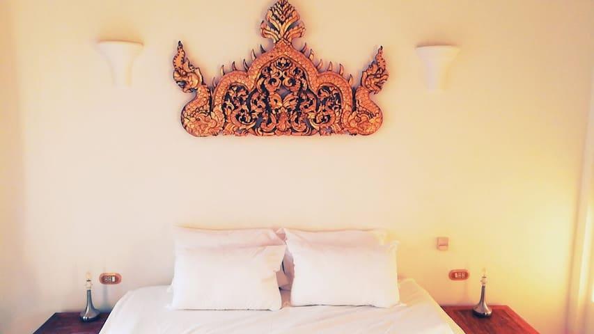 Thai Style Adorns the Bedroom
