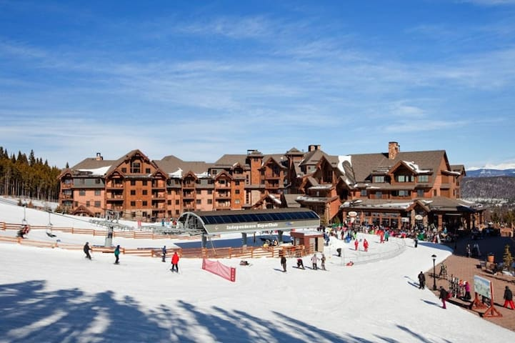 2/15/2020- 2/22/2020 at Grand Lodge Ski-in/Ski-out