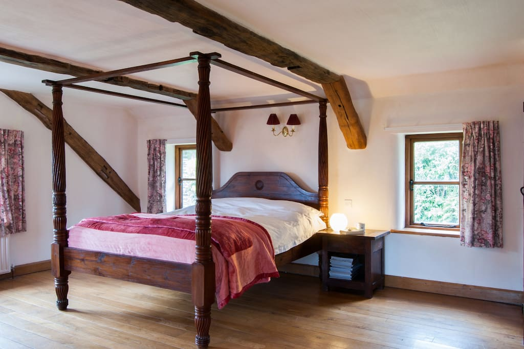 King size four poster in the family bedroom