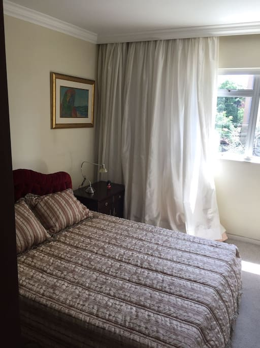 Quarto cama King Size Confortavel