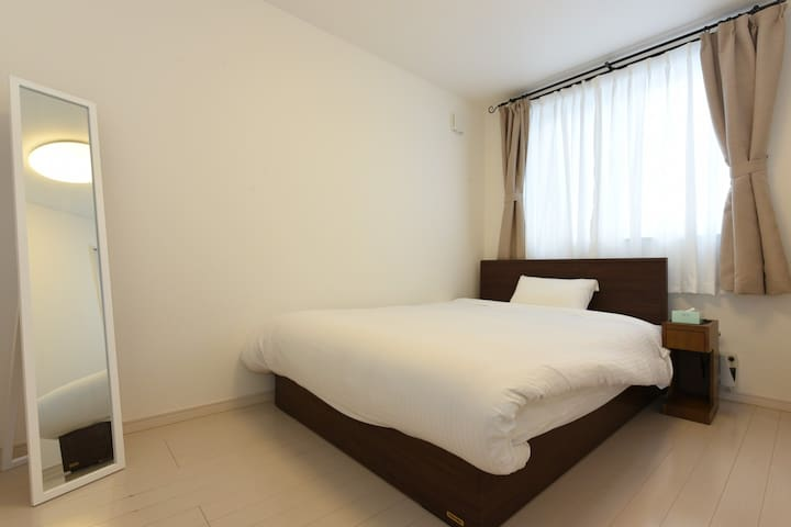 ④bed room with 1 double bed on 3rd floor