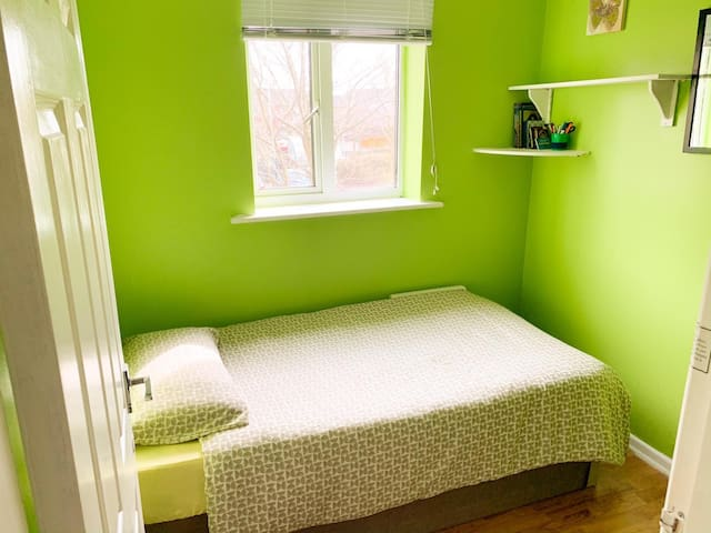 SINGLE ROOM (CITY CENTRE /HULME/ UNVRSTY MANCHSTR)