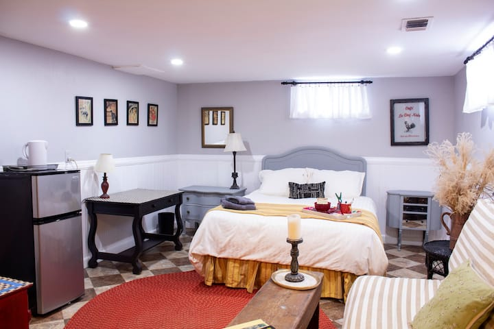 ❤️ Discounted two bedroom suite with private bath
