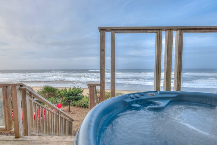 Surfer's View - New Custom Built Ocean Front Home with Ocean View Hot Tub