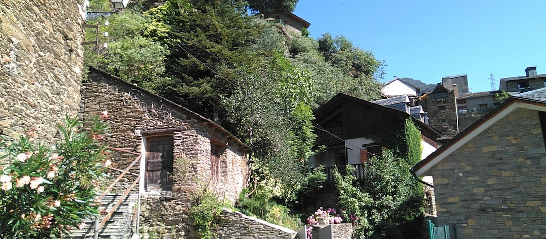 Casa Cazadoret - Chalet de Montaña con Encanto